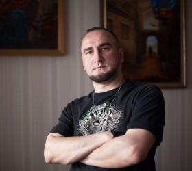 Дмитрий Траенович. Этюд в багровых тонах